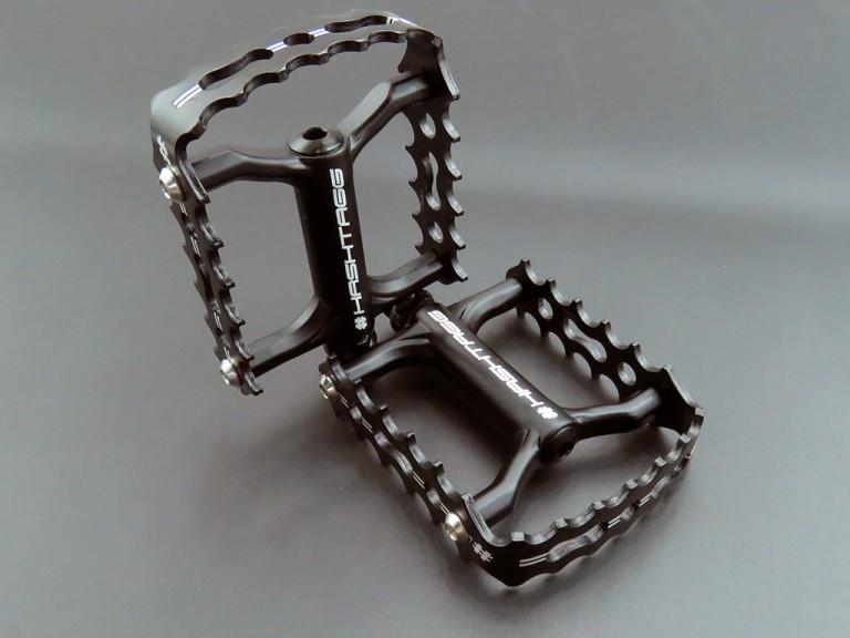 black-pedal